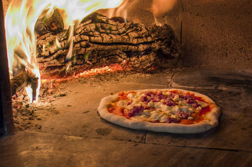 MobilePizza-Chef offer Artistian wood-fired pizza Capricciosa